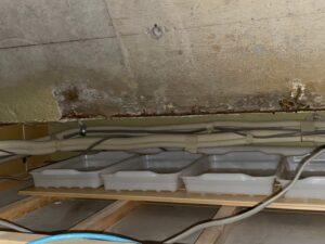 R屋根 ガルバリウム鋼板 継手部からの雨漏り!